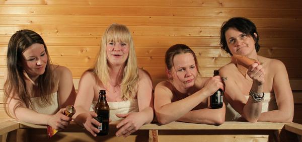 Kun nainen saunoo…